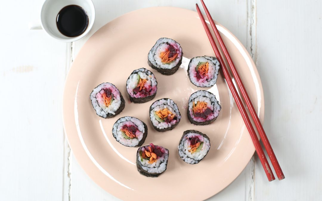 Beetroot sushi rolls and balls, lovely rice and veg!